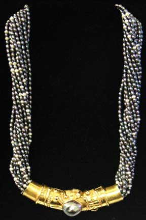 Diernany Pearl Necklace